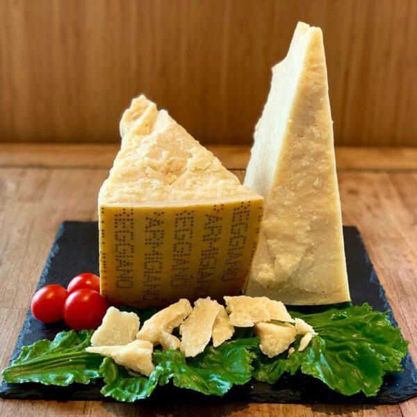 Parmigiano reggiano-formaggio-salumeria-Salice Group